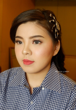 Portfolio-8-oleh-Novia-Limey-Make-Up-dan-Hair-Do-di-HelloBeauty