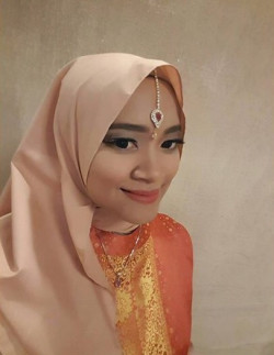 Portfolio-4-Make-Up-For-Arabian-Bridesmaid-oleh-Annisa-Kartika-di-HelloBeauty