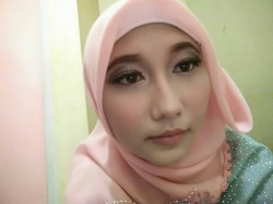 Portfolio-3-Make-Up-For-Graduation-oleh-Annisa-Kartika-di-HelloBeauty