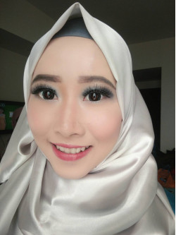 Portfolio-2-Make-Up-For-Graduation-oleh-Annisa-Kartika-di-HelloBeauty