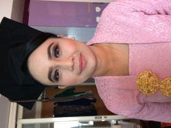 Portfolio-1-Make-Up-For-Graduation-oleh-Annisa-Kartika-di-HelloBeauty