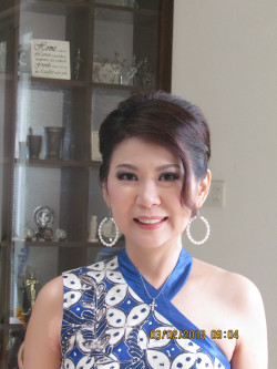 Portfolio-7-Mature-Makeup-for-Mrs-Yenny-oleh-Lena-Wijaya-di-HelloBeauty