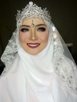 Portfolio-3-My-Wedding-Syari-for-Carla-oleh-Dinda-Amalia-di-HelloBeauty