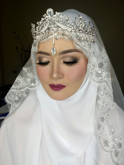Portfolio-2-My-Wedding-Syari-for-Carla-oleh-Dinda-Amalia-di-HelloBeauty
