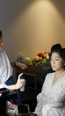 Portfolio-6-Wedding-preparation-oleh-Laurentia-Irene-di-HelloBeauty