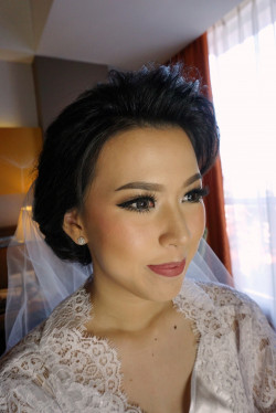 Portfolio-4-Wedding-makeup-and-hair-beautyby_laurentiairene-oleh-Laurentia-Irene-di-HelloBeauty