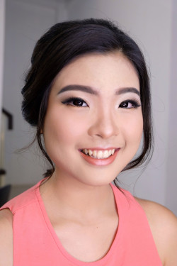 Portfolio-2-Wedding-Make-Up-and-Hair-do-for-Ms-Chyntia-oleh-Angelina-Ganda-di-HelloBeauty