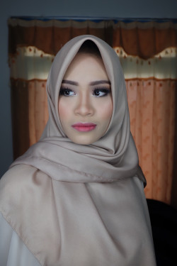 Portfolio-1-Natural-makeup-for-my-bff-oleh-Cynthia-Mustikaningtyas-di-HelloBeauty