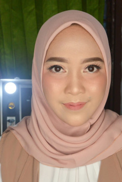 Portfolio-4-oleh-Dian-Anne-Make-Up-di-HelloBeauty