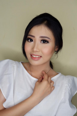 Portfolio-2-Party-Make-Up-oleh-RoseentaMakeUp-di-HelloBeauty