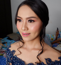Portfolio-7-Graduation-Make-Up-oleh-RoseentaMakeUp-di-HelloBeauty