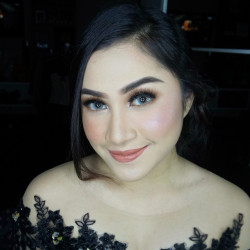Portfolio-5-Party-make-up-look-no-filter-oleh-Brushed-by-Namira-MUA-di-HelloBeauty
