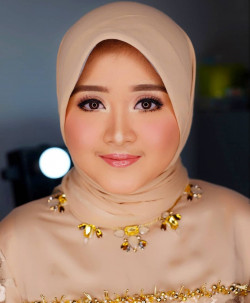 Portfolio-8-Party-Makeup-Look-oleh-Shasha-Make-Up-di-HelloBeauty