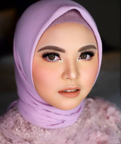 Portfolio-1-Gradution-Look-oleh-Shasha-Make-Up-di-HelloBeauty