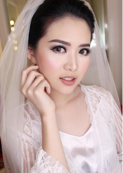 Portfolio-6-oleh-April-makeup-artist-di-HelloBeauty