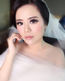 Portfolio-8-oleh-April-makeup-artist-di-HelloBeauty