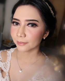 Portfolio-2-oleh-April-makeup-artist-di-HelloBeauty