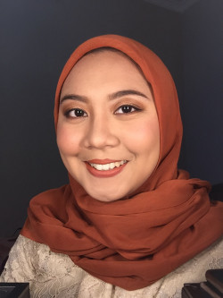 Portfolio-5-Graduation-Makeup-Look-for-Kak-Dea-oleh-Almas-Makeover-di-HelloBeauty