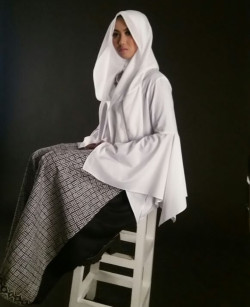 Portfolio-8-Make-up-fotosesion-oleh-Ayu_mua-di-HelloBeauty