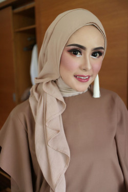 Portfolio-4-Make-Up-by-Tivany-oleh-Tivany-Makeup-di-HelloBeauty
