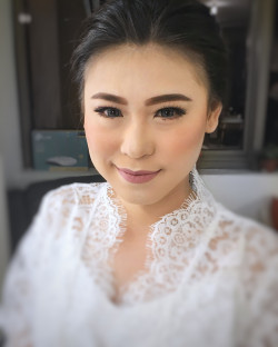 Portfolio-5-Wedding-makeup-oleh-Makeupbythika-di-HelloBeauty