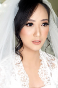 Portfolio-4-Wedding-makeup-oleh-Makeupbythika-di-HelloBeauty