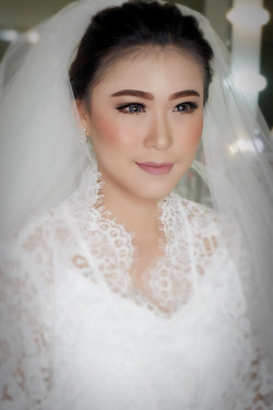 Portfolio-8-Wedding-makeup-oleh-Makeupbythika-di-HelloBeauty
