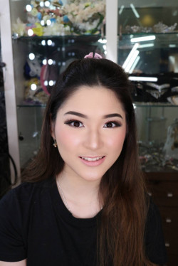 Portfolio-5-Natural-Makeup-Look-oleh-Celline-Emily-di-HelloBeauty