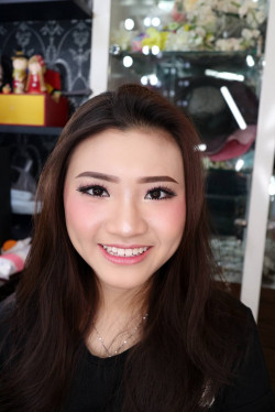 Portfolio-4-Korean-Makeup-Look-oleh-Celline-Emily-di-HelloBeauty