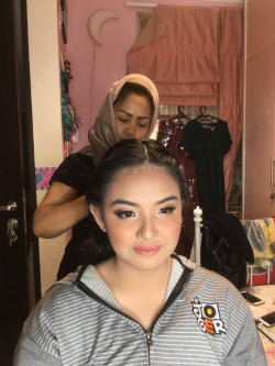 Portfolio-2-oleh-Wanty-Beauty-Makeup-di-HelloBeauty