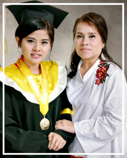 Portfolio-2-Makeup-pretty-mom-and-wisudawati-by-me-oleh-ccreimakeup-di-HelloBeauty