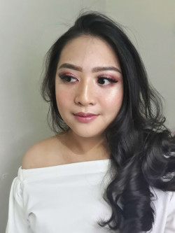 Portfolio-2-Editorial-makeup-for-Ms-Ganesia-oleh-Novia-Makeup-n-Hairdo-di-HelloBeauty