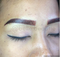 Portfolio-2-Covering-Old-EmbroideryTechnique-ShadingColour-Dark-BrownGet-your-eyebrows-beautified-at-Belle-BeautieContact-oleh-Belle-Beautie-di-HelloBeauty