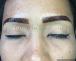 Portfolio-1-Covering-Old-EmbroideryTechnique-ShadingColour-Dark-BrownGet-your-eyebrows-beautified-at-Belle-BeautieContact-oleh-Belle-Beautie-di-HelloBeauty