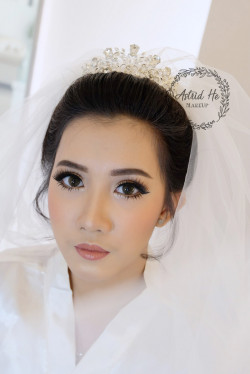 Portfolio-5-Bride-Look-for-Ms-Merry-oleh-Astrid-He-di-HelloBeauty