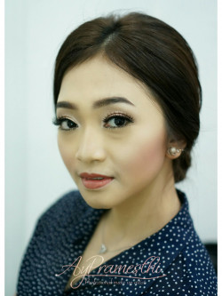Portfolio-6-Hairdo-by-me-for-Sendy-JKT-48-engagement-party-oleh-Dyah-Ayu-Pramesthi-di-HelloBeauty
