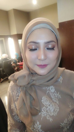 Portfolio-3-Makeup-soft-by-request-oleh-Anya-di-HelloBeauty