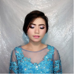 Portfolio-1-oleh-Daniz-Make-Up-di-HelloBeauty