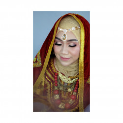 Portfolio-2-oleh-Pi_make_up-di-HelloBeauty