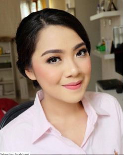 Portfolio-2-Party-Makeup-oleh-Farah-Lisani-di-HelloBeauty