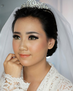 Portfolio-5-oleh-Elizabeth-Make-Up-Artist-di-HelloBeauty