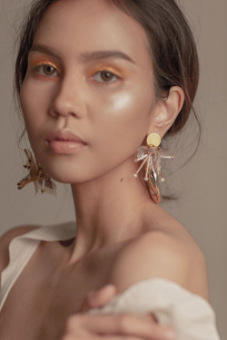 Portfolio-5-Hint-of-Yellow-Eye-for-Yourhands-Jewelry-Amore-Collection-Third-Look-oleh-Adzni-Anzalia-Roehan-di-HelloBeauty