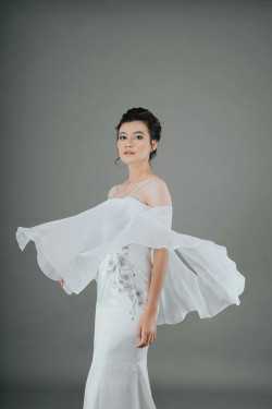 Portfolio-2-Classic-Bridal-Make-Up-for-Weding-Dress-Photoshoot-by-Sekaring-Tyas-oleh-Adzni-Anzalia-Roehan-di-HelloBeauty