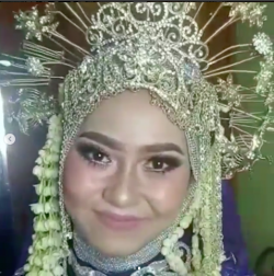 Portfolio-7-Betawi-Hijab-Wedding-Flawless-Bold-Make-Up-oleh-Istana-Pengantin-di-HelloBeauty
