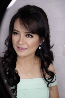 Portfolio-2-Basic-make-up-and-hairdo-party-oleh-Lisa-Arisanti-di-HelloBeauty
