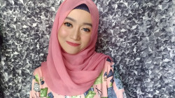 Portfolio-1-soft-and-natural-make-up-look-oleh-Ajeng-Pratiningtias-di-HelloBeauty