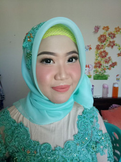 Portfolio-2-Make-Up-Anita-oleh-Anita-Damayanti-di-HelloBeauty