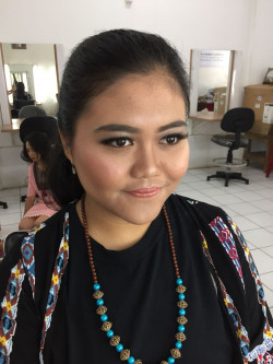 Portfolio-6-Party-Look-oleh-Friska-Christina-di-HelloBeauty
