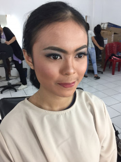 Portfolio-7-Party-Look-oleh-Friska-Christina-di-HelloBeauty