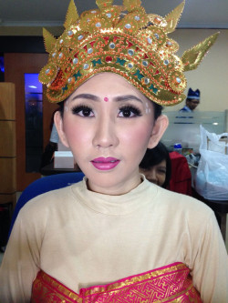 Portfolio-2-Traditional-Wedding-Makeup-oleh-Friska-Christina-di-HelloBeauty
